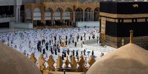 Suudi Arabistan'da 6 ay aradan sonra umre ziyaretleri başladı!
