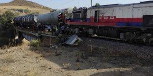 Yozgat'ta iki tren çarpıştı! Çok sayıda ekip olay yerine sevk edildi