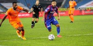 Son şampiyon Başakşehir ilk galibiyetini Trabzon'da aldı