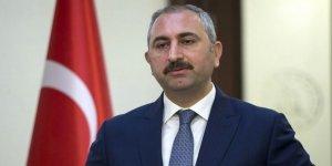 Adalet Bakanı Gül'den Almanya'daki cami baskınına kınama