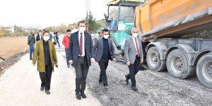 Gaziantep Büyükşehir, Aktoprak ile Erikli arasında sıcak asfalt çalışması başlattı!