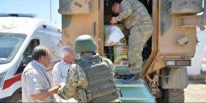 """Mardin'de güvenlik güçlerine """"baklavalı"""" destek"""