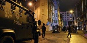HDP Esenyurt ilçe binasına operasyon!