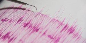 Ege'de deprem fırtınası: Karaburun 2 kez 5,1 ile sallandı