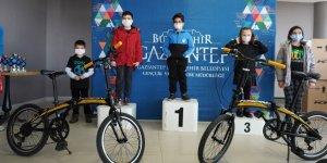 Büyükşehir, satranç turnuvasının kazananları için ödül töreni düzenledi!