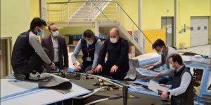 Bakan Varank, AKINCI S-1 seri üretimin son aşamaya gelmiş aracını inceledi
