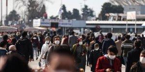 Türkiye'de 15 Bin 82 Kişinin Kovid-19 Testi Pozitif Çıktı, 65 Kişi Hayatını Kaybetti