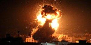 Terör devleti İsrail savaş uçakları Gazze'yi vurdu