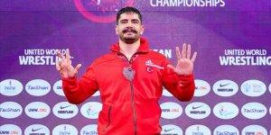 Milli güreşçi Taha Akgül 8'inci kez Avrupa şampiyonu oldu