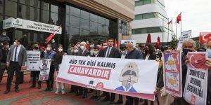 """Türkiye Gençlik Birliği (TGB) üyeleri, ABD Başkanı Biden'ın 1915 olaylarını """"soykırım"""" olarak nitelemesini protesto etti"""