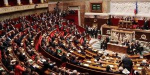 Fransa'da 16 emekli generalin Meclisteki siyasi gruplara 'iç savaş' uyarısı yaptığı ortaya çıktı