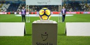 Süper Lig'de şampiyon ve küme düşenler yarın belli olabilir