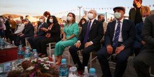 CHP Genel Başkanı Kemal Kılıçdaroğlu İzmir'de Efes Tarlası Yaşam Köyü açılışına katıldı