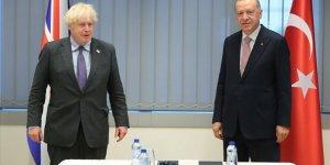 Erdoğan ve Johnson iki ülke arasındaki seyahatin yeniden başlamasının önemi üzerinde mutabık kaldı
