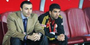 Galatasaray yönetimi efsane isme ilk teklifi yaptı!