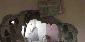 Yıkılan binadaki Kuran-ı Kerim zarar görmedi!