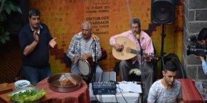 Sur'da artık silah değil müzik sesi yankılanıyor