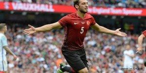 """Hakan Çalhanoğlu'ndan gol sevinci : Çok gurur verici, bu gol ile tarihe geçtim"""""""
