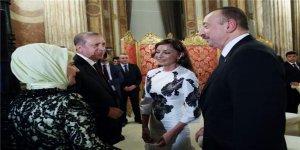 Cumhurbaşkanı Erdoğan'dan misafirleri için akşam yemeği