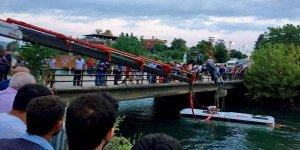 Gezi otobüsü kaza yaptı: Çok sayıda ölü var!
