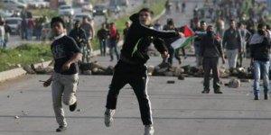 Kudüs'te ve Batı Yaka'da yaşanan çatışmalarda onlarca Filistinli yaralandı