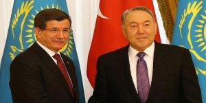 Başbakan Davutoğlu, Kazakistan Cumhurbaşkanı Nazarbayev ile görüştü