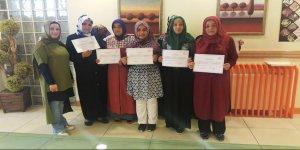 Ayyıldızlı hanımlar Arapça sertifikası aldı