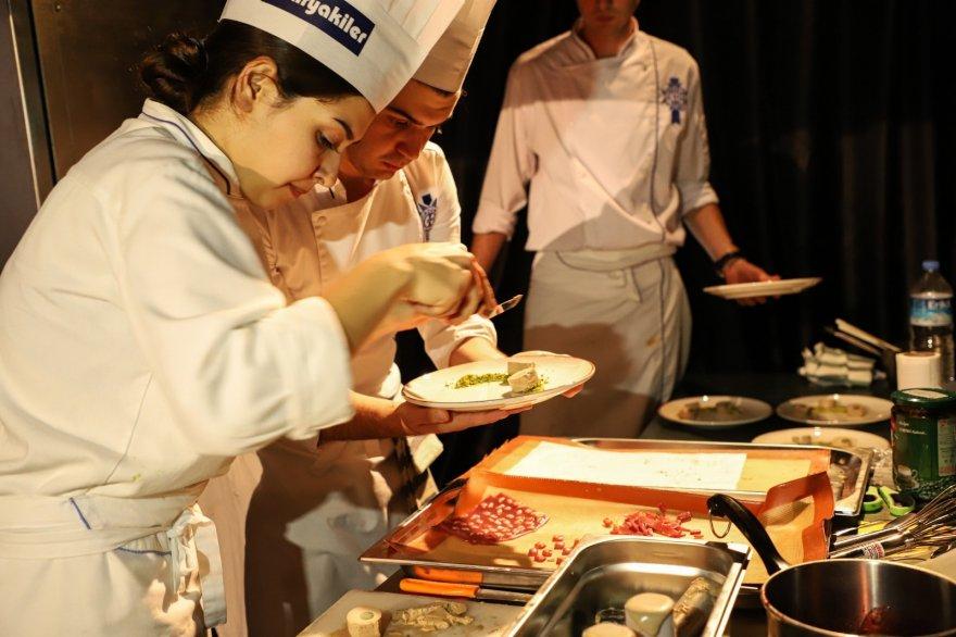 gastronomi-festivali'nin-son-gunu-renkli-gecti-(6).jpg
