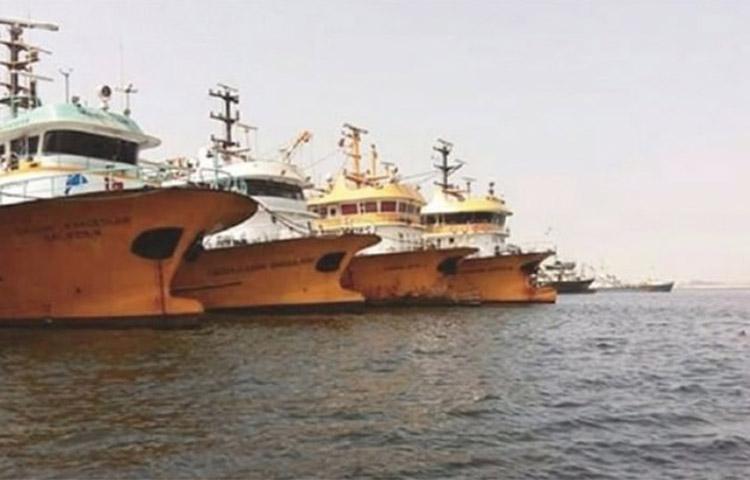 200 Türk balıkçı mahsur!